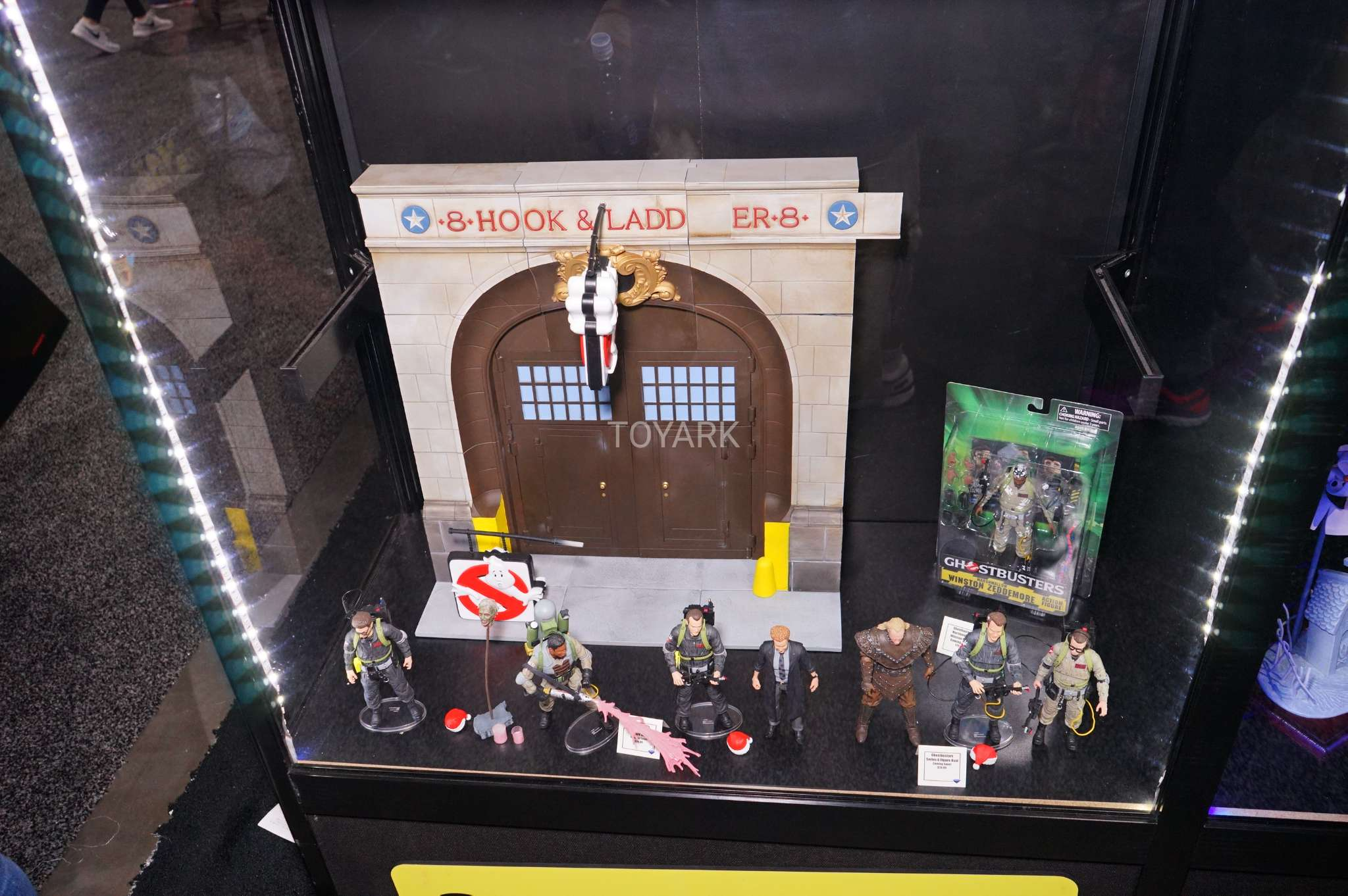 SDCC-2017-DST-Ghostbusters-001[1]